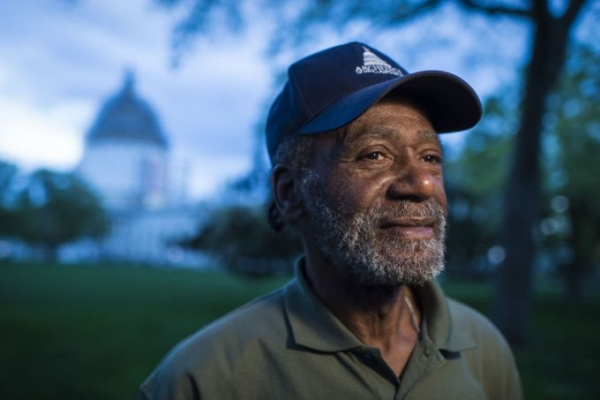 Homeless man shares office with senators, seeks higher wages behalf of all low-wage workers