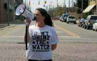 Outcry Over the Austerity Crisis in Flint Grows